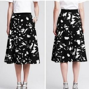 Banana Republic Black and White Floral Print Skirt